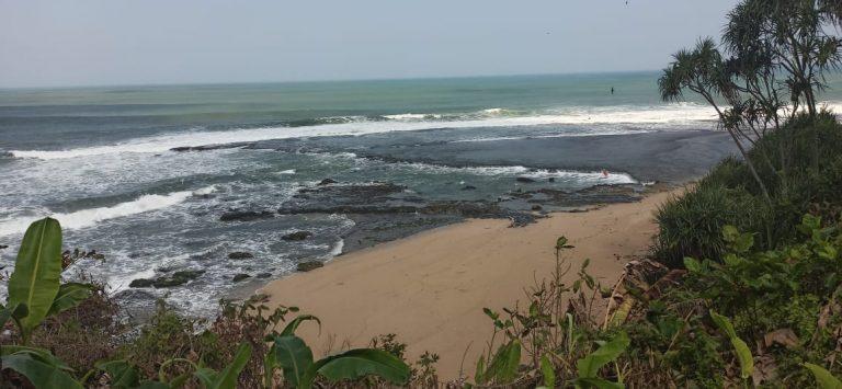 Pantai Karapyak: Pesona Yang Terlewatkan